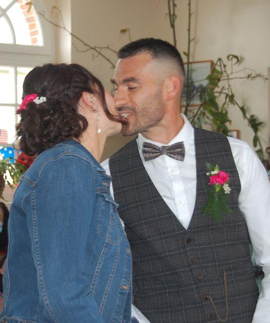 Cc les Fm! Mariée depuis le 03 avril 2021, je vous partage quelques photos. Une journée exceptionnelle pleine d'amour, que du bonheur. Un aperçu de la 11