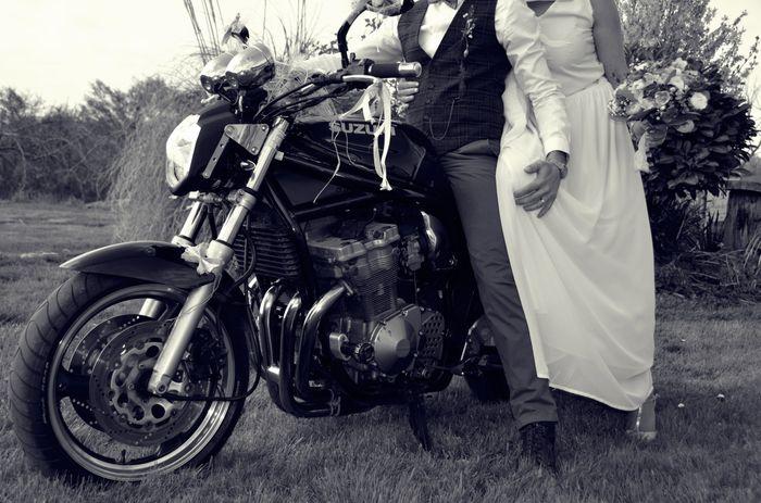 Cc les Fm! Mariée depuis le 03 avril 2021, je vous partage quelques photos. Une journée exceptionnelle pleine d'amour, que du bonheur. Un aperçu de la 24