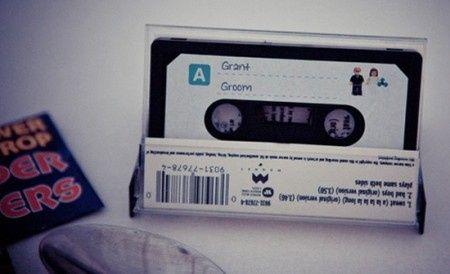 Idée déco de la semaine #13 avec des disques et des cassettes 80's - 1