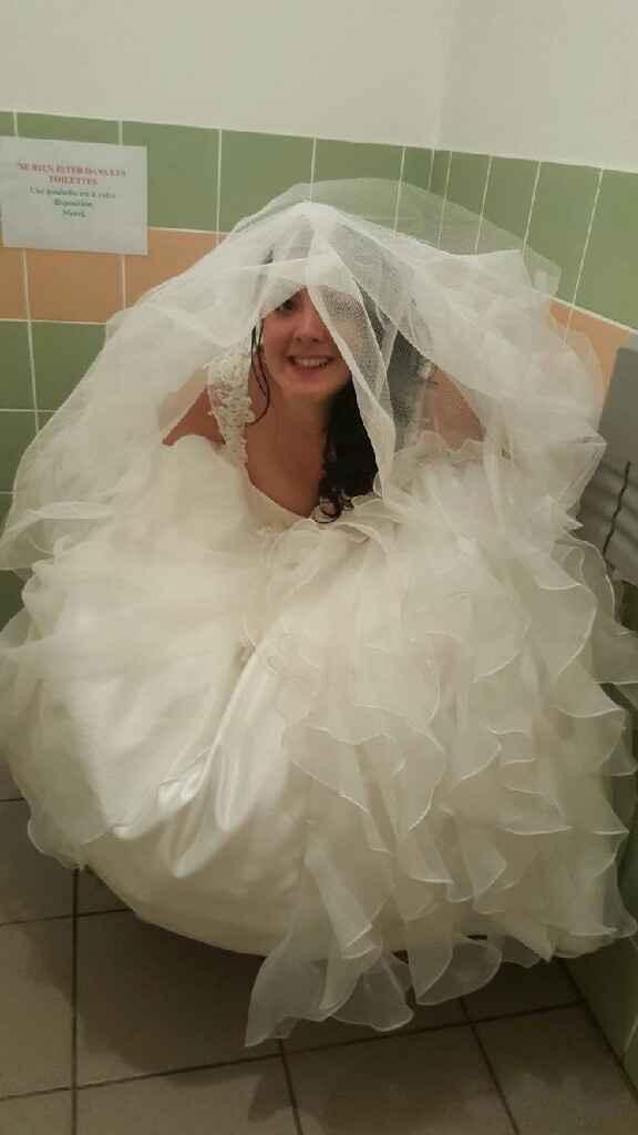 Faire pipi en robe de mariée... - 1
