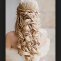 Cherche coiffure pour robe bustier (pas chignon traditionnel)? - 1