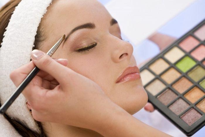 Combien vous coûte votre prestation maquillage?
