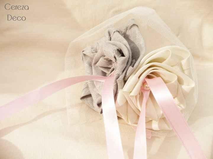 touche rose gris ivoire