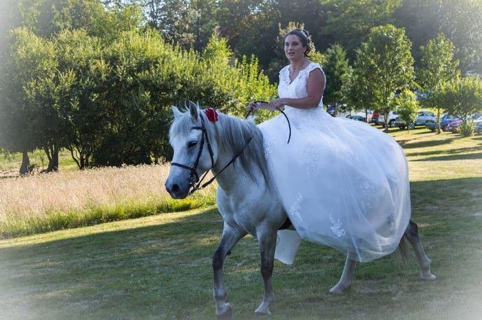 Mariée à cheval ! 2