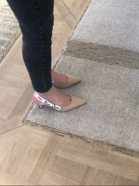 Help - chaussures 2