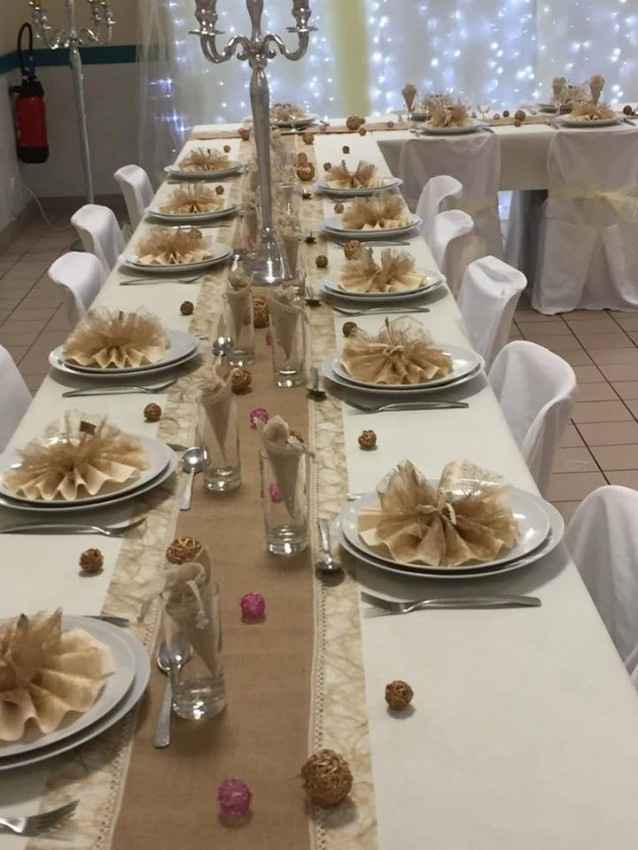 Table taupe