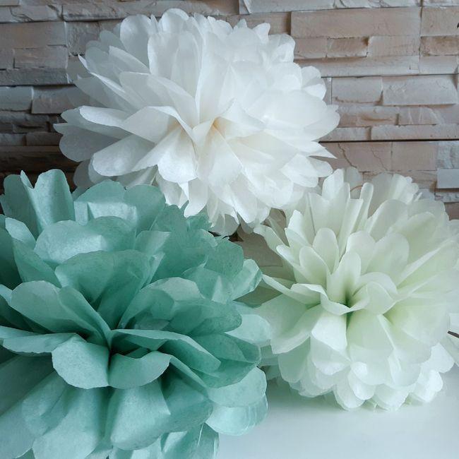 Décoration fait main fleurs en papier de soie 1