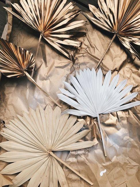 Première inspiration pour un mariage gold and palm tree 5
