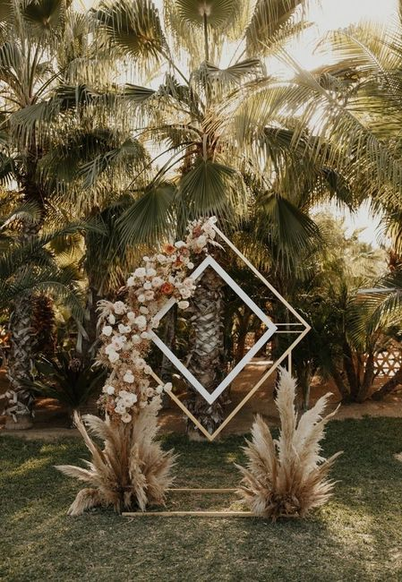 Première inspiration pour un mariage gold and palm tree 10