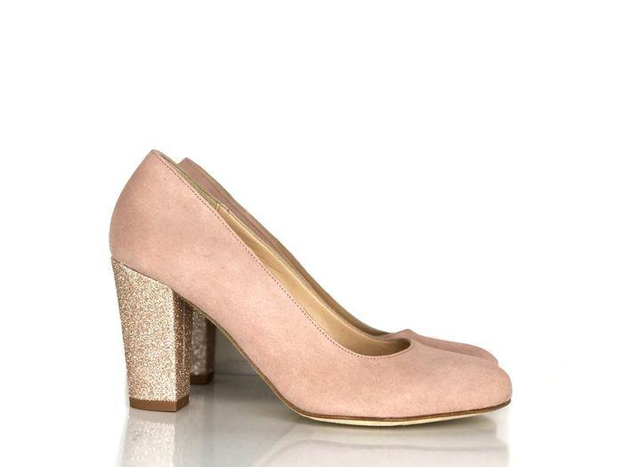 Chaussures Blanches ou Vieux rose, mon coeur balance 4