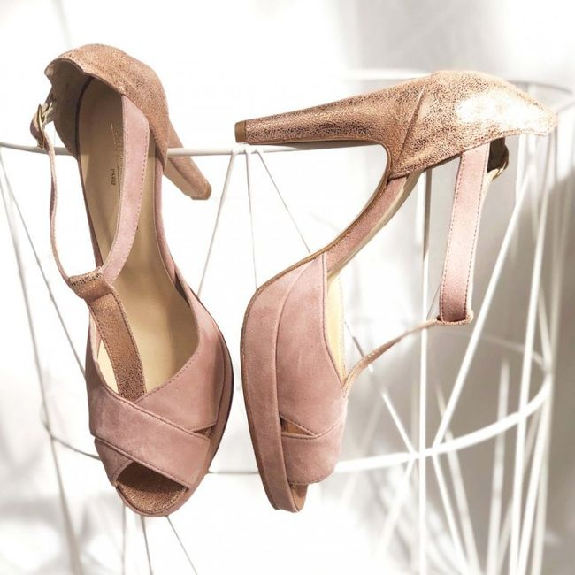 Chaussures Blanches ou Vieux rose, mon coeur balance 5