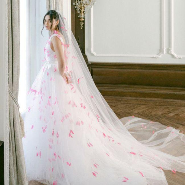 La marque de robe Monique Lhuillier vous connaissiez ? 12