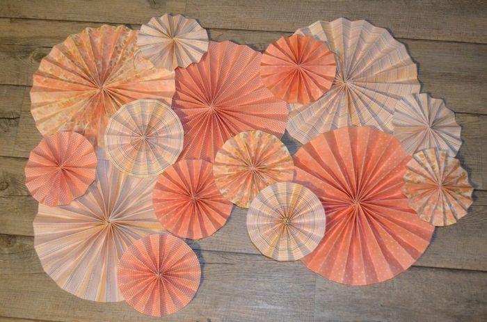 rosaces en papier d coration forum. Black Bedroom Furniture Sets. Home Design Ideas