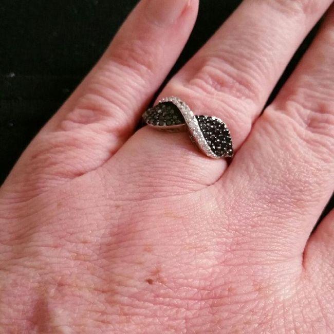 Portez-vous tous les jours votre alliance / bague de fiançailles ? 2