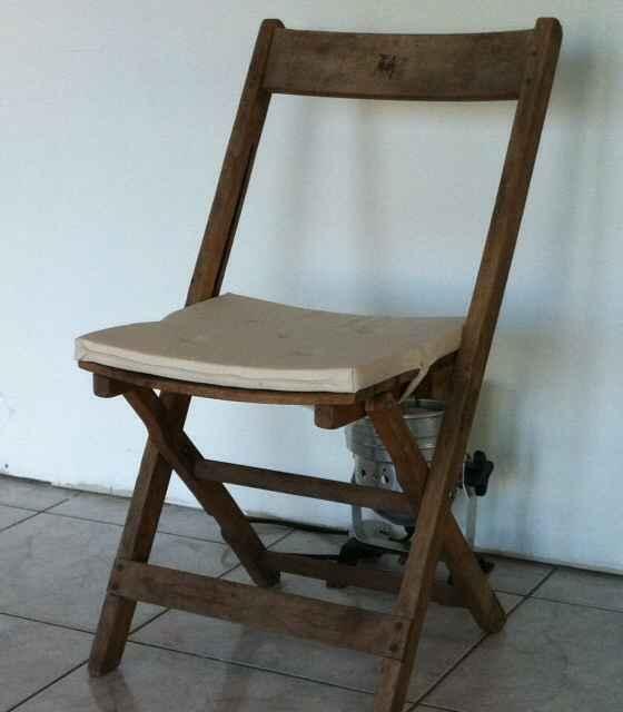 Location chaise en bois et coussin - 1