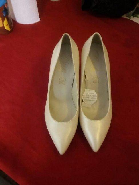 Ma best et moi.  les chaussures pour son mariage - 2