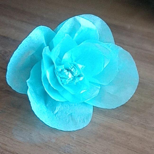 Essai fleur en papier crépon 1