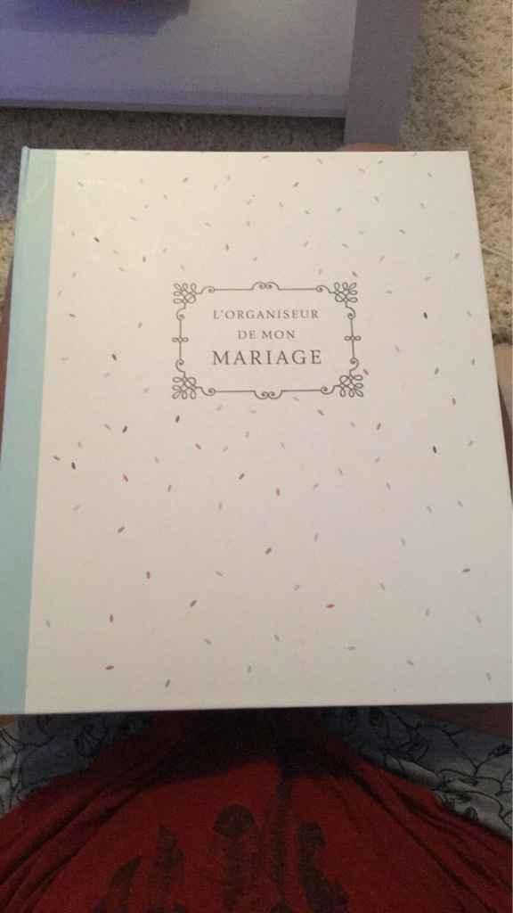 Avez-vous acheté un agenda spécial mariage ? - 1