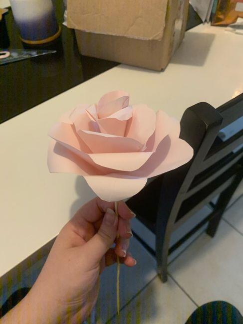 Fleurs en papier centre de table 5