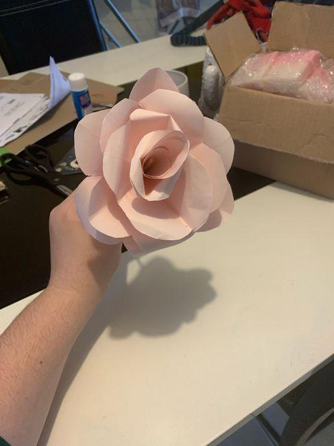 Fleurs en papier centre de table 4
