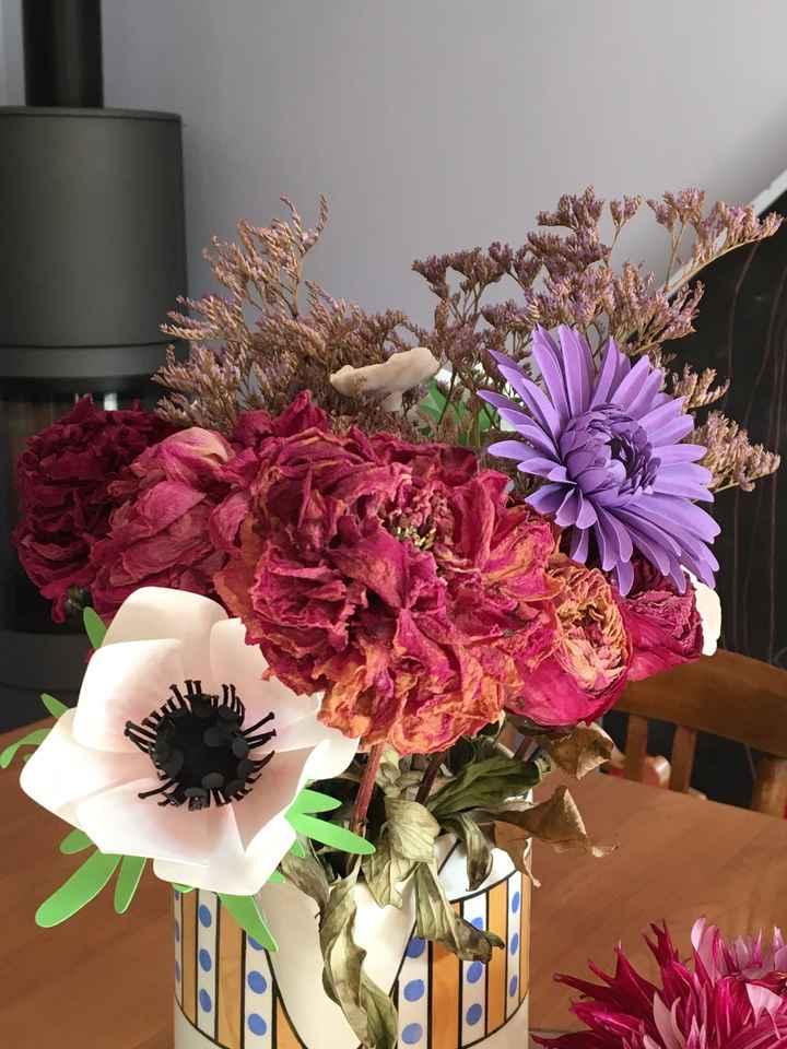 Fleurs en papier centre de table - 1