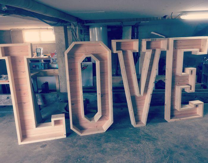 Lettre géante love 1