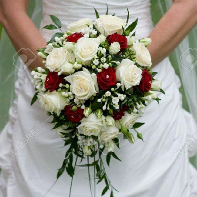 Vote pour ton bouquet de mariée préféré ! 🧡 1