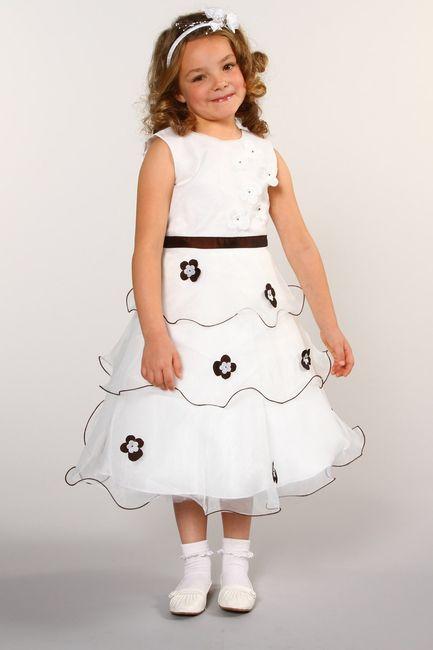 quelles robes avez vous choisit pour vos t moins et petite filles d 39 honneur mode nuptiale. Black Bedroom Furniture Sets. Home Design Ideas