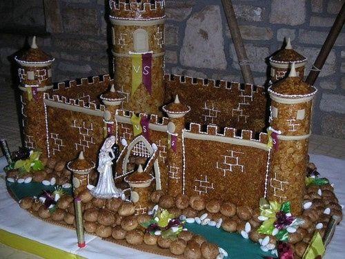Pièce montée médiévale! www.mariages.net/...