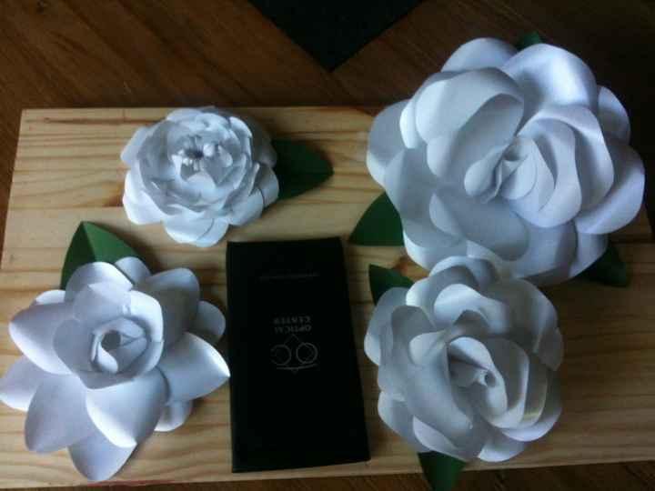 fleurs en papier fait main (rose, gardenia, camelia)