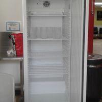 voila le frigo danas ma salle