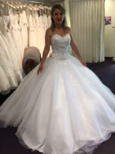b7e34c60b450d Guêpière ou soutien gorge sans bretelle pour robe de mariée bustier ...
