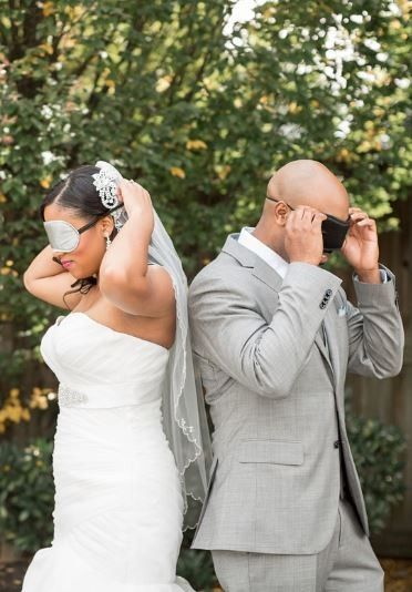 Se découvrir le jour du mariage - Pour ou contre ? 1