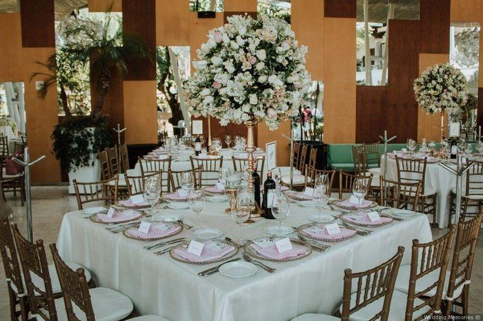 2 mariages, 2 centre de table. Laquel préfères-tu ? 1
