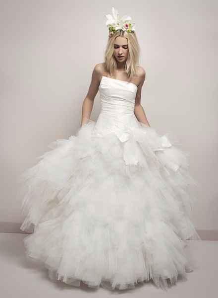 voila une robe qui me plait beaucoup