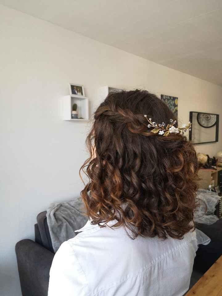 Cheveux naturellement frisés et coiffure - 2