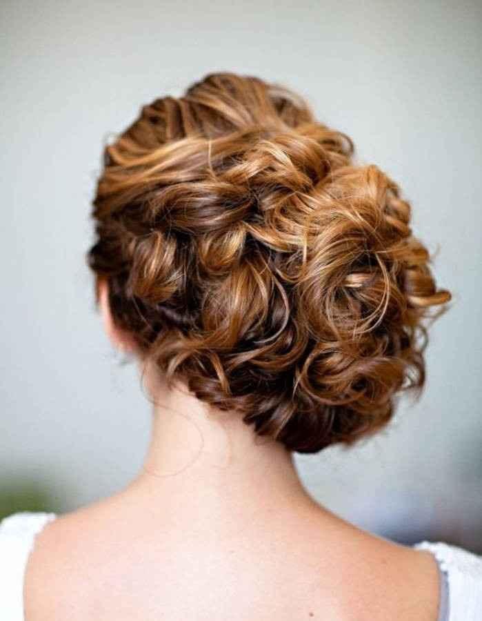 Inspiration coiffure - Chignon bouclé