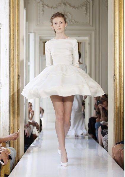 Miroir miroir dis moi quelle robe est la plus belle for Miroir miroir dis moi