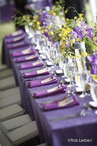 mariage bicolore jaune et violet d coration forum. Black Bedroom Furniture Sets. Home Design Ideas