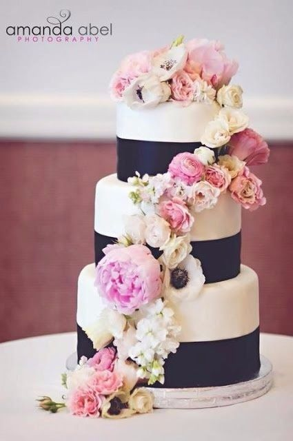 navy blue pink and gold wedding cake mariage bicolore bleu marine et d 233 coration 17770