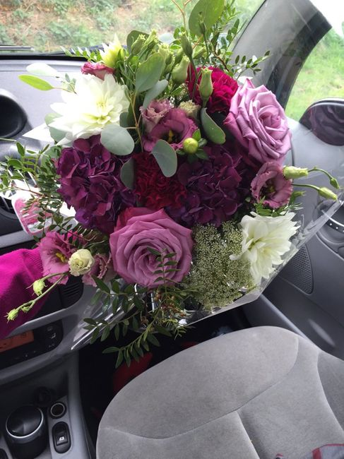 10 bouquets de mariée violets - 1