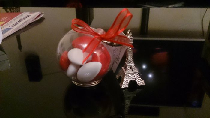 Déco Thème Paris couleur blanc, argent et rouge - 1