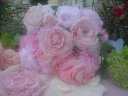 rose en serviette en papier