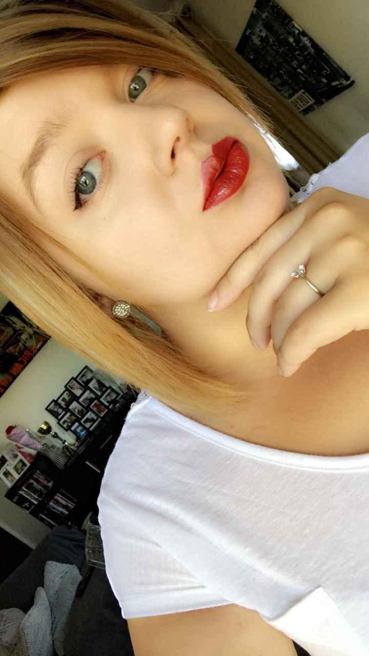 Lèvre rouge pour le mariage - 1