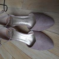 Chaussures trouvées et essayage retouche robe - 1