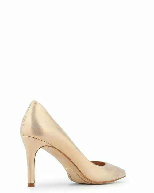 La paire de chaussures - 2