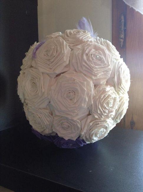 boules de roses en papier crépon