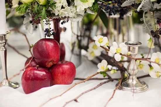 Avec des belles pommes rouges!
