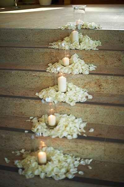 Le combo pétales + bougies