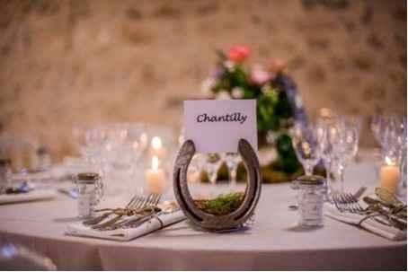 Une décoration de table,...